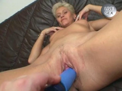 Sexual hangover of blonde mom