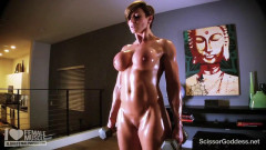 Muscley goddess rapture works out and gets sweaty