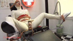 Anna Rose Visits the MedicalToy Twisted Clinic
