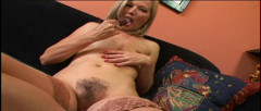 Blond princess doesn t shave her beautiful pussy