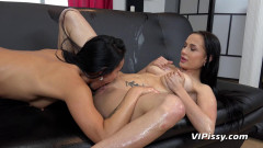 Lexi Dona & Nicole Love - Wet Best Friends