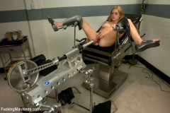 Machine Maniac: Lexi Belle and her Bottomless Pussy