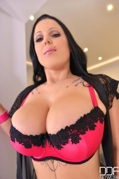 Big Natural Tits Never Looked Better | Download from Files Monster