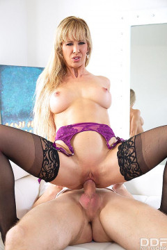 Cherie Deville - Squirting Milf Fucked Balls Deep (2018) | Download from Files Monster